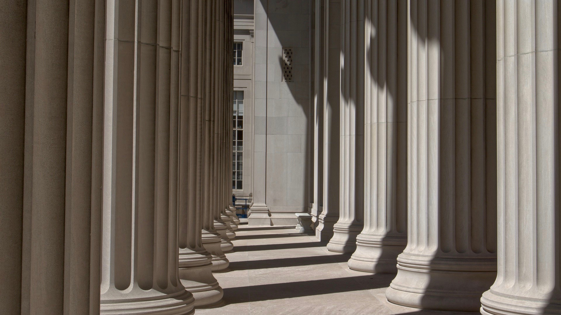 columns-5135499_1920 2