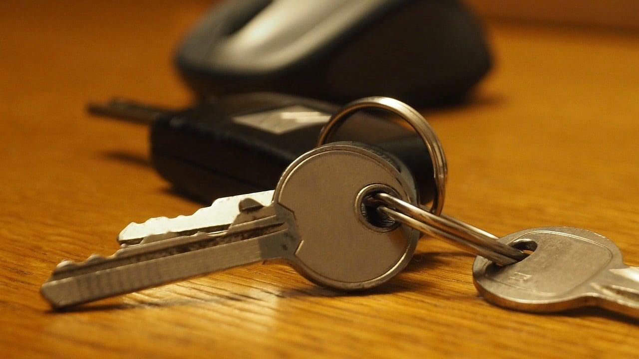 key-3781138_1280 2